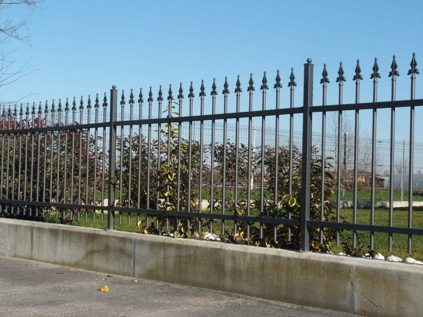 Ringhiere recinzione - Recinzione per giardino ...