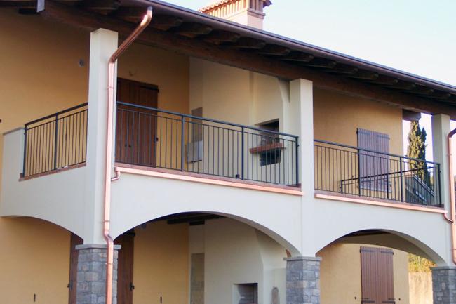 Ringhiere balconi for Salotti in ferro battuto per esterni